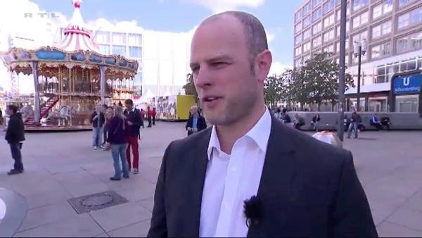 Was verrät ein Kuss über die Partnerschaft? Die Live-Mimik-Analyse. RTL, Explosiv Dirk W. Eilert